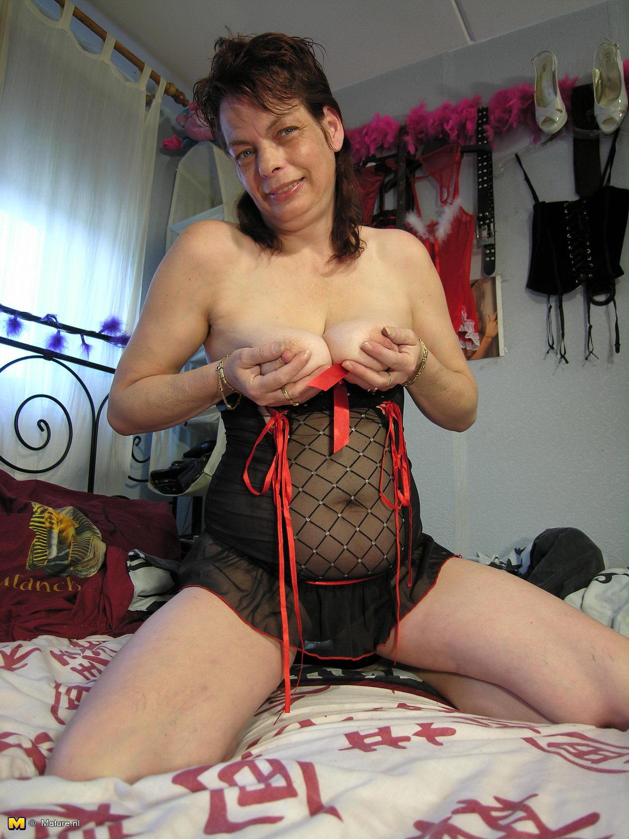 Mature Women Websites 35